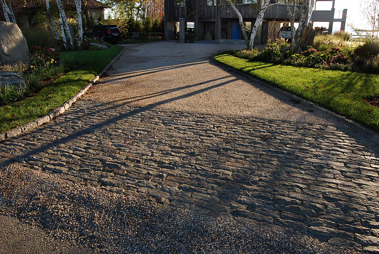 The LaurelRock Company - Residential Landscaping in CT - Bluff Point - Driveway Detail